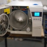 Desktop autoclaves