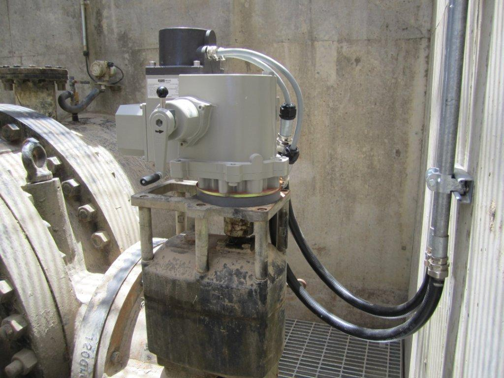Electric actuator remote installation